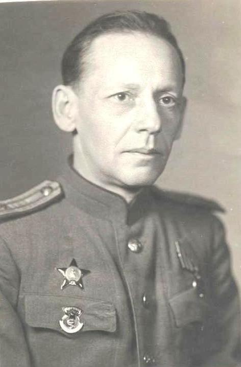 Ефим Леонтьевич Гутерман - начальник военно-санитарного поезда № 204